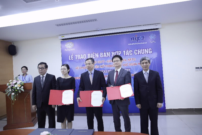 Exchange ceremony of Joint Memorandum of Cooperation on Open API in banking sector
